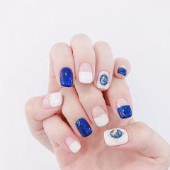 方圆形蓝色白色平法式金箔美甲图片