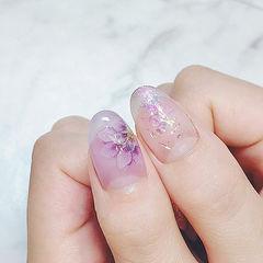 圆形紫色白色手绘花朵贝壳片日式美甲图片