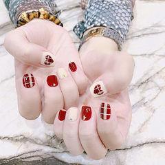 方圆形红色白色手绘心形格纹短指甲美甲图片