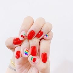 圆形红色手绘水果樱桃彩虹花朵美甲图片