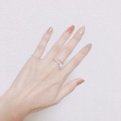 方圆形橙色灰色白色跳色简约美甲图片