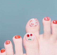 脚部红色格子手绘樱桃钻美甲图片