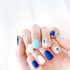 方圆形蓝色白色晕染金箔磨砂跳色美甲图片