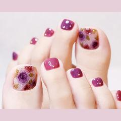 脚部玫红色紫色手绘花朵想学习这么好看的美甲吗?可以咨询微信mjbyxs6哦~美甲图片