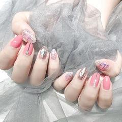 圆形粉色银色金银线钻亮片美甲图片
