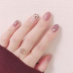圆形粉色紫色手绘豹纹想学习这么好看的美甲吗?可以咨询微信mjbyxs6哦~美甲图片