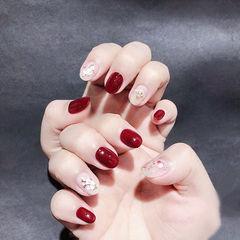 圆形红色裸色贝壳片新娘美甲图片