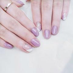 圆形紫色斜法式简约美甲图片
