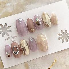 圆形紫色棕色金色银箔贝壳片美甲图片