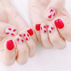 方圆形红色手绘水果西瓜夏天想学习这么好看的美甲吗?可以咨询微信mjbyxs6哦~美甲图片