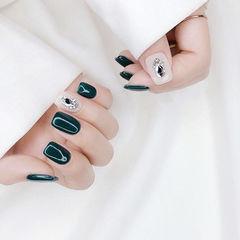 方圆形绿色白色钻美甲图片