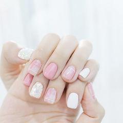 方圆形粉色白色线条美甲图片