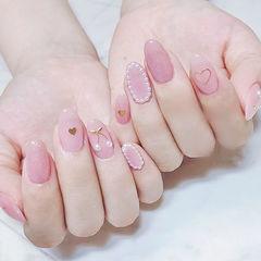 圆形粉色珍珠金属饰品樱桃想学习这么好看的美甲吗?可以咨询微信mjbyxs6哦~美甲图片