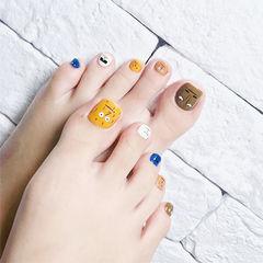 脚部黄色棕色白色蓝色手绘跳色韩式美甲图片