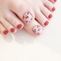 脚部红色白色手绘水果樱桃磨砂美甲图片