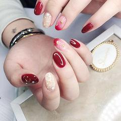 圆形红色渐变星月贝壳片新娘美甲图片