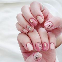 方圆形粉色手绘豹纹金属饰品想学习这么好看的美甲吗?可以咨询微信mjbyxs6哦~美甲图片