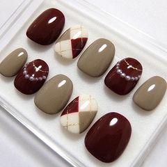 圆形酒红色裸色珍珠菱形秋天美甲图片