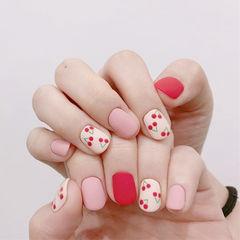圆形红色粉色白色手绘樱桃跳色磨砂美甲图片