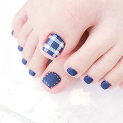 脚部蓝色白色格纹磨砂想学习这么好看的美甲吗?可以咨询微信mjbyxs6哦~美甲图片