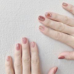 圆形豆沙色晕染短指甲想学习这么好看的美甲吗?可以咨询微信mjbyxs6哦~美甲图片