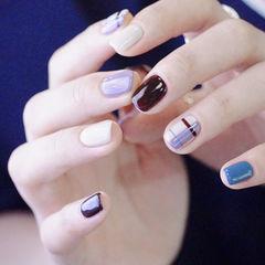 方圆形紫色白色格纹美甲图片