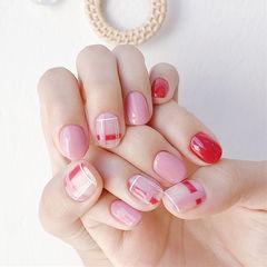 圆形红色粉色格纹美甲图片