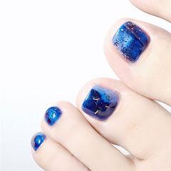 脚部蓝色晕染显白想学习这么好看的美甲吗?可以咨询微信mjbyxs6哦~美甲图片