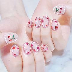 圆形裸色亮片樱桃美甲图片