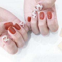 方圆形红色白色手绘樱桃水果美甲图片