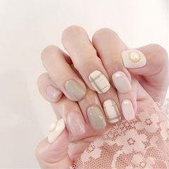 方圆形裸色珍珠线条美甲图片
