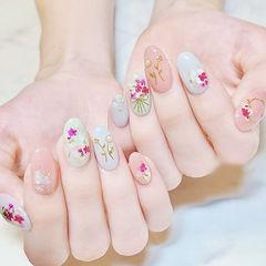 圆形粉色白色干花贝壳片珍珠美甲帮创办的CPMA技术体系日式美甲学校,全国连锁,想学美甲咨询微信:mjbyxs15美甲图片