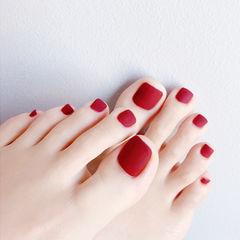 脚部红色磨砂纯色简约显白美甲图片