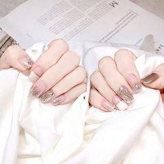 方圆形白色银色水波纹渐变金银线平法式美甲图片