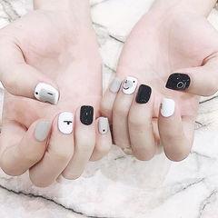 方圆形黑色白色手绘短指甲简约美甲图片
