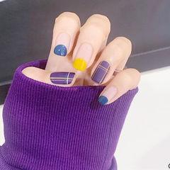 方圆形蓝色紫色黄色线条磨砂圆法式美甲图片