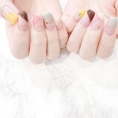 方圆形黄色裸色棕色粉色斜法式美甲图片