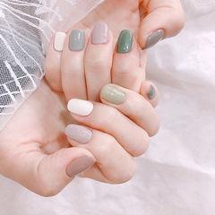 方圆形绿色灰色裸色跳色美甲图片
