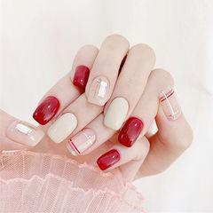 方圆形红色白色线条钻美甲图片