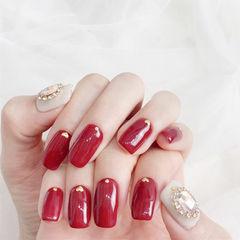 方圆形红色白色钻美甲图片