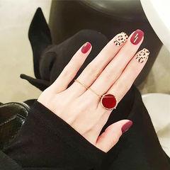 方圆形红色裸色手绘豹纹磨砂美甲图片