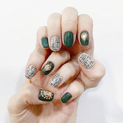 方圆形绿色手绘毛呢钻美甲图片