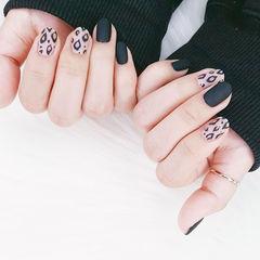 圆形黑色白色手绘豹纹磨砂美甲图片