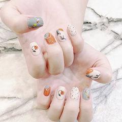 方圆形白色橙色灰色手绘水果美甲图片