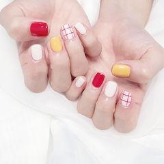 方圆形红色黄色白色格子跳色美甲图片