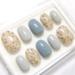 圆形蓝色灰色裸色手绘花朵金银线秋天美甲图片