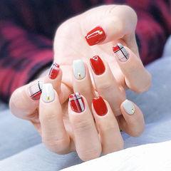 方圆形红色白色格纹美甲图片