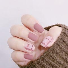 方圆形粉色格纹磨砂美甲图片