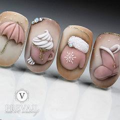 圆形粉色棕色白色手绘磨砂可爱美甲图片