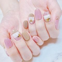 圆形粉色裸色格纹珍珠金属饰品美甲帮创办的CPMA技术体系日式美甲学校,全国连锁,想学美甲咨询微信:mjbyxs15美甲图片